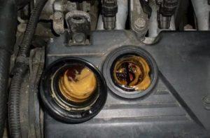 Почему пенится моторное масло в двигателе