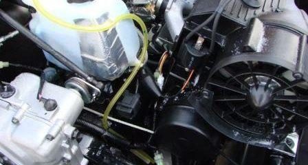 Замена смазки в двигателе снегохода