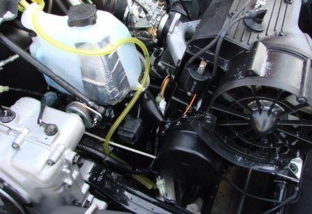 Замена масла в двигателе снегохода