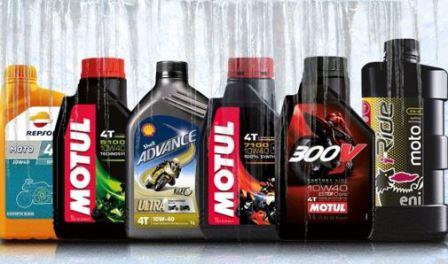 Какое масло лучше заливать в мотоцикл