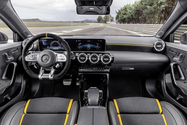 Мерседес-AMG A45 2020