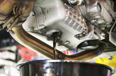 Regeneration of used engine oil