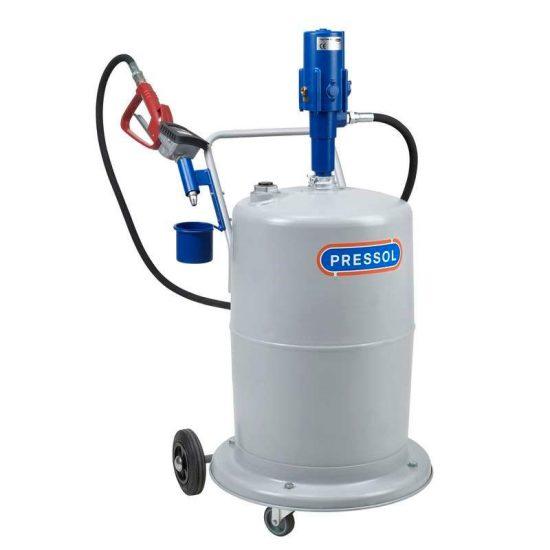 Оборудование для заправки автомобиля моторным маслом