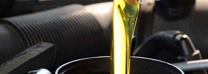Замена масла в моторе: важность ее проведения