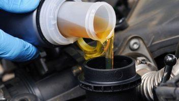 Чем лучше промыть двигатель при замене масла советы специалистов